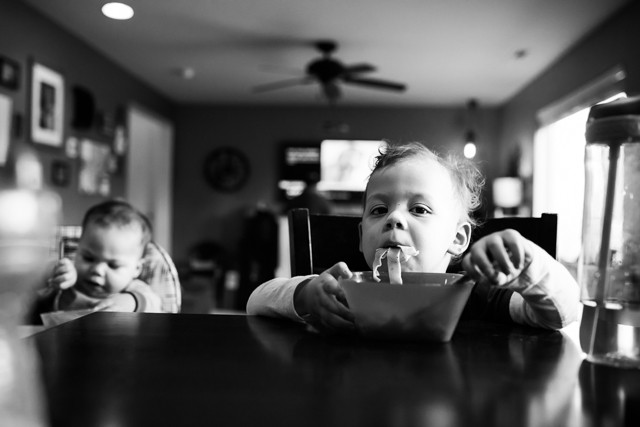 Kent Family Photography boys eating