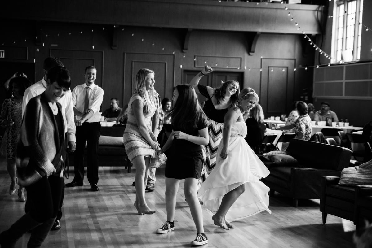 Puyallup-Wedding-Dancing