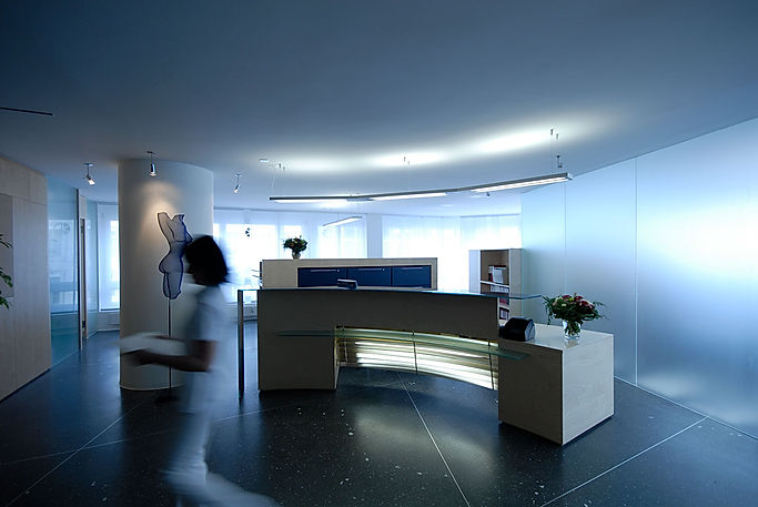 026b4-reception_front_desk.jpg