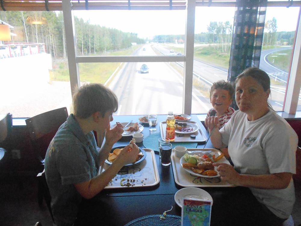 Mat på Nyköpingsbro