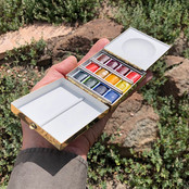 Mini Paintbox in hand