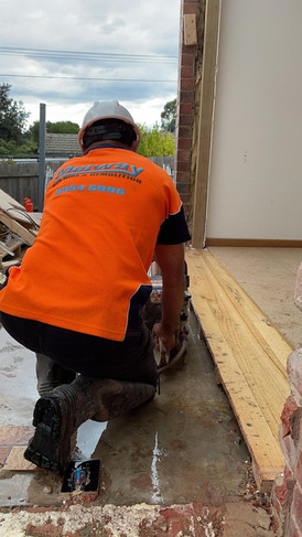 Melway cutting concrete