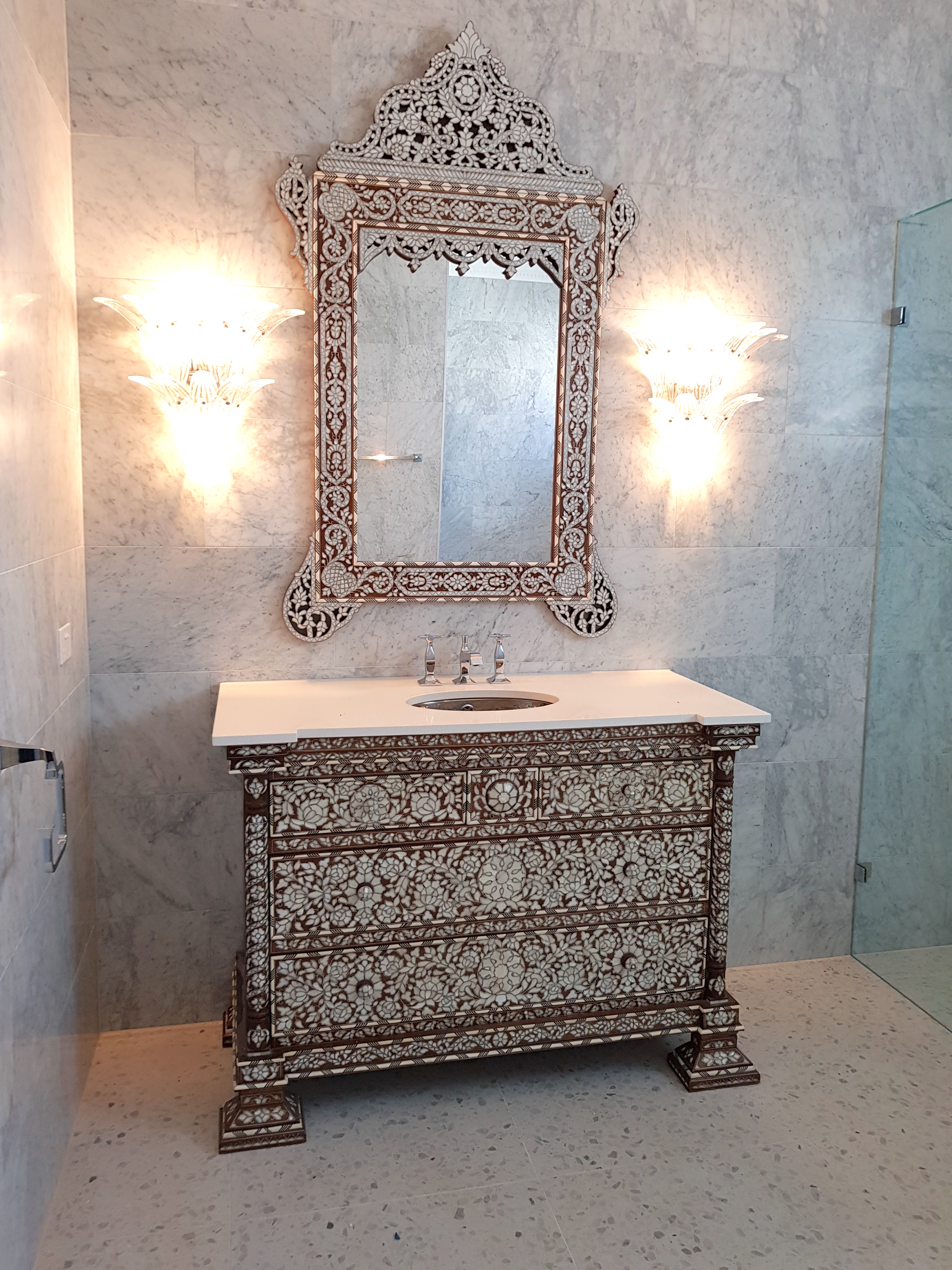 Set of Syrian vanity and mirror