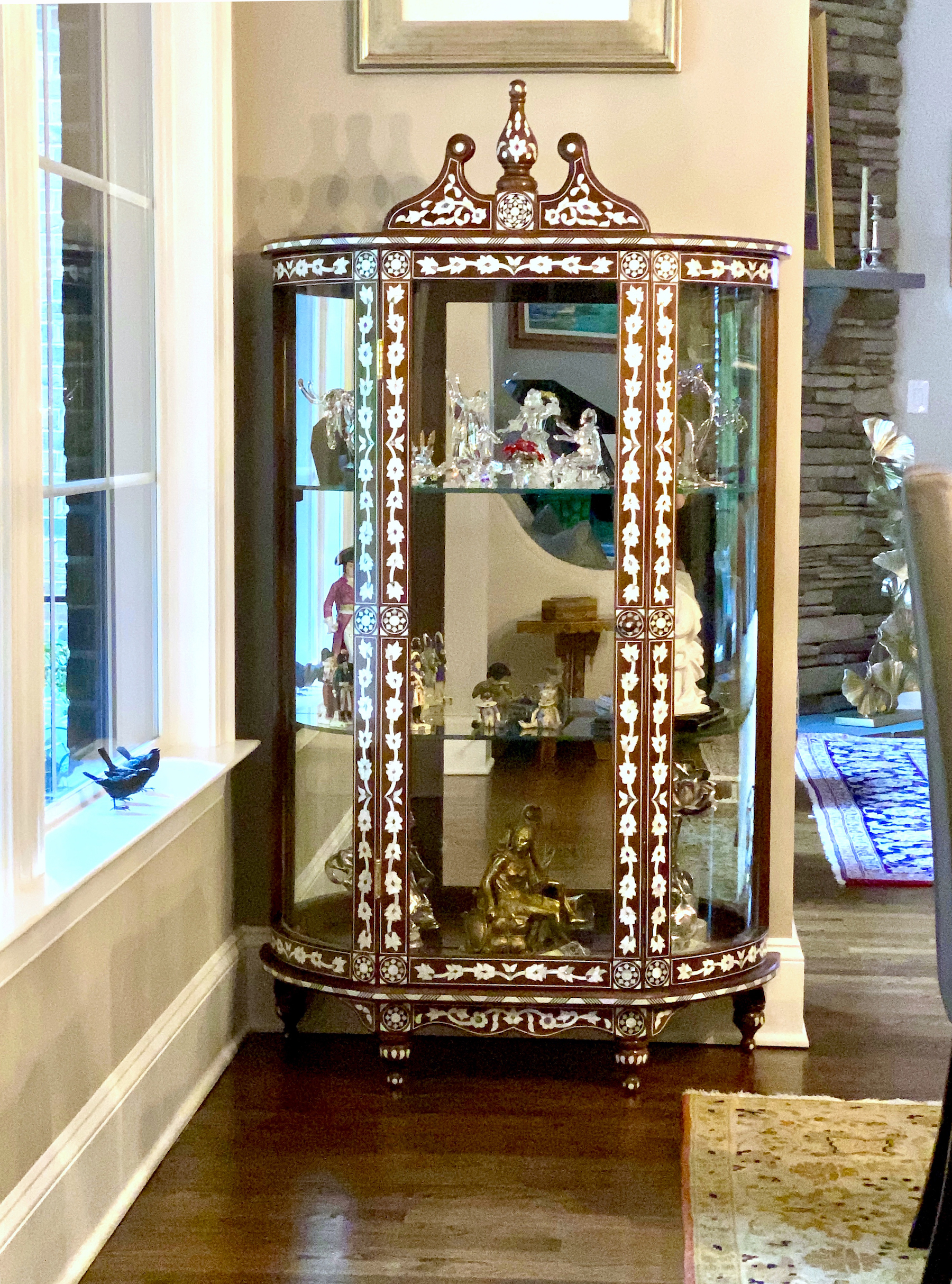 Mother of pearl vitrine