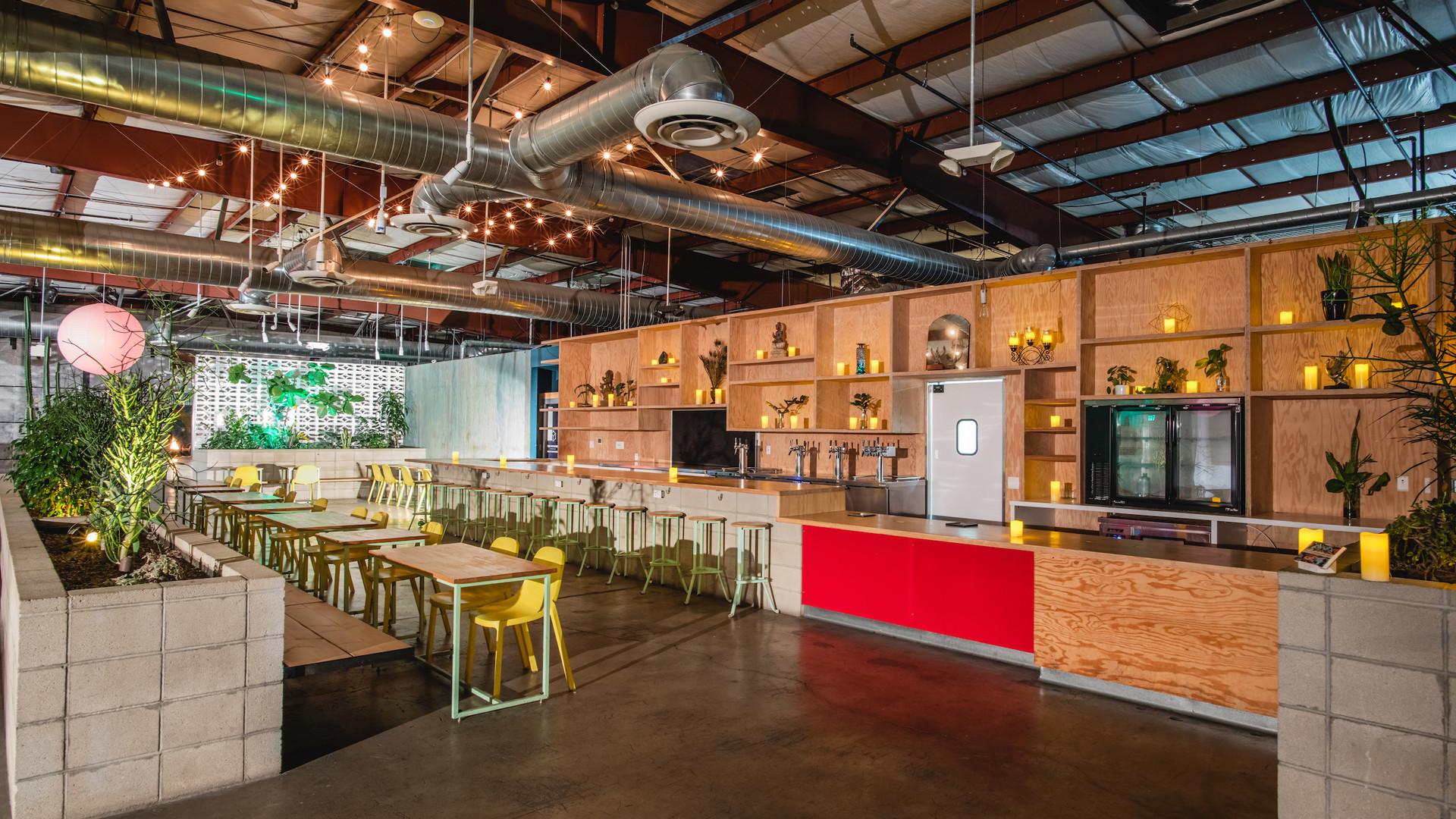 * 2 AWA Oasia Bar and Dine Area - Specia