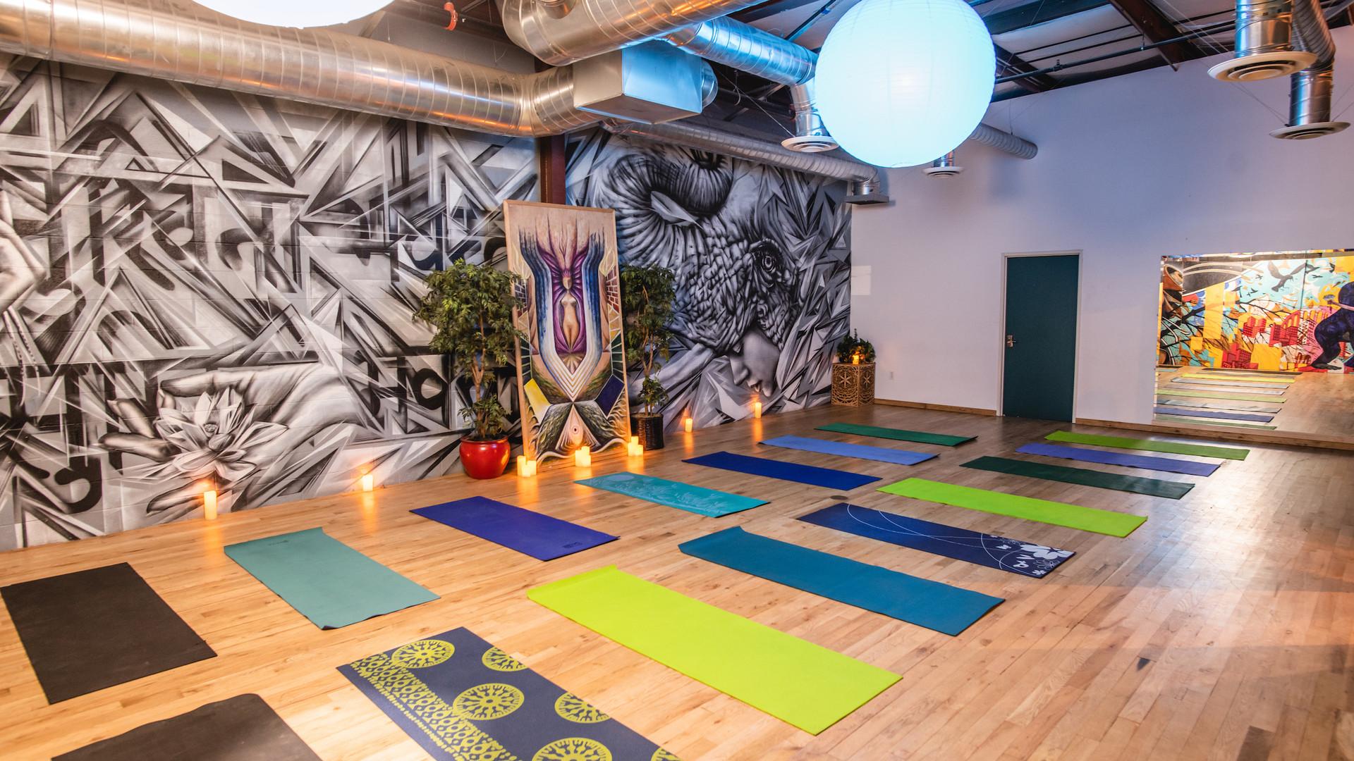 * 6 AWA Oasia Yoga Studio Set Up - Speci