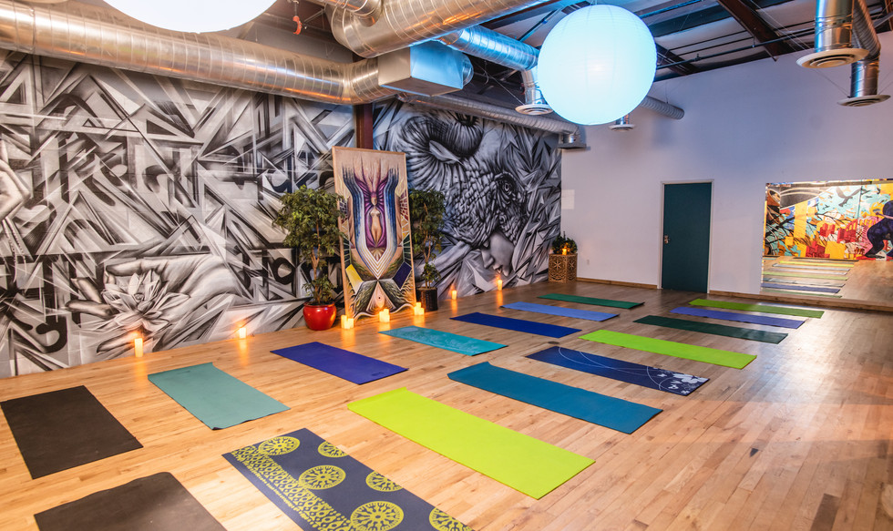 * 6 AWA Oasia Yoga Studio Set Up - Speci