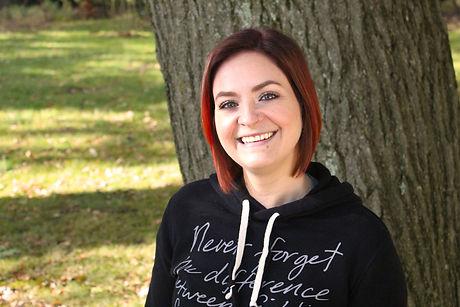 Elizabeth Grepp headshot.jpg