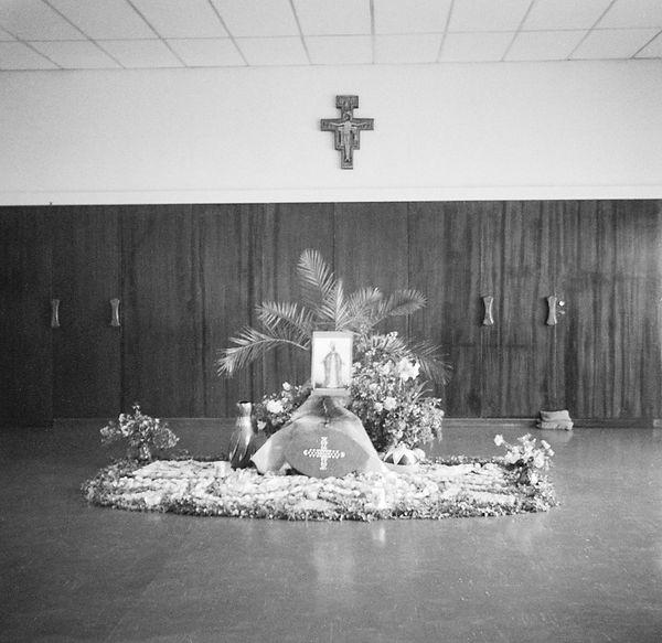 poorclaresisters07.jpg oeuvre artistique en noir et blanc argentique monastère des clarisses namibie ventes de tirages d'art danièle verjus toulouse france