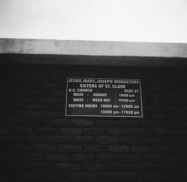 poorclaresisters01.jpg oeuvre artistique en noir et blanc argentique monastère des clarisses namibie ventes tirages d'art danièle verjus toulouse france