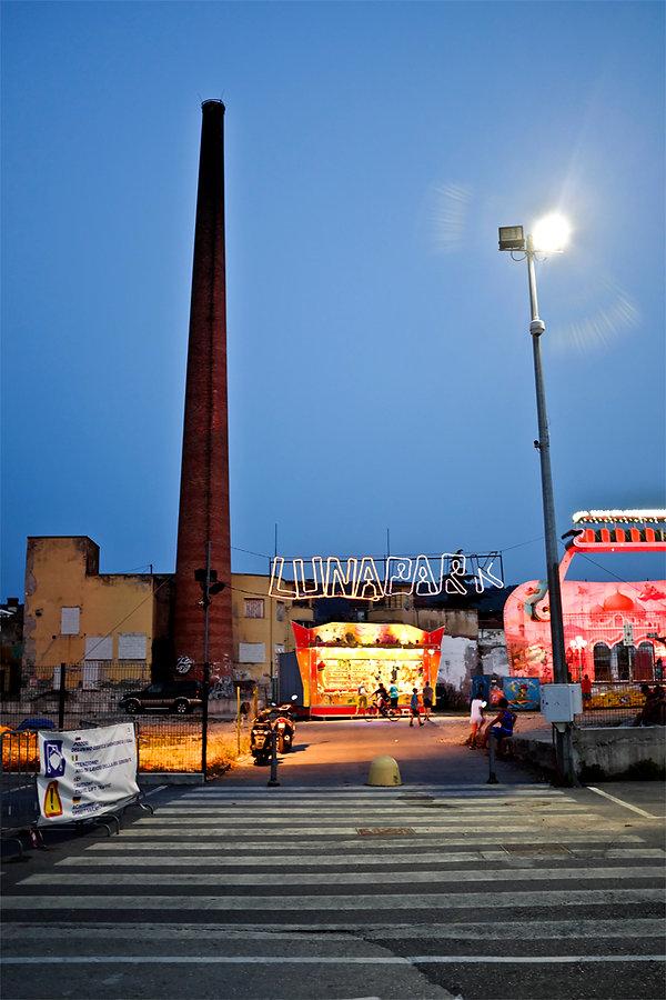 Lunapark.jpg oeuvre artistique couleur numérique Luna Park ventes tirages d'art audacieuse galerie genève suisse danièle verjus toulouse france