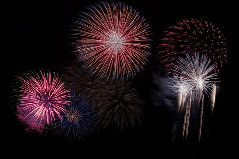 painting-of-fireworks-128872.jpg