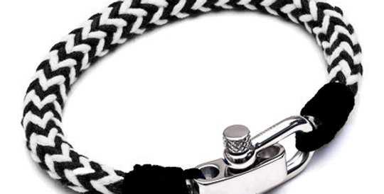 Black and White Paracord Bracelet