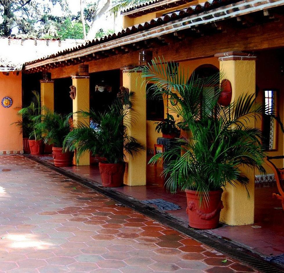 Quinta bugambilias casas en renta en cuernavaca for Jardin quinta real morelos