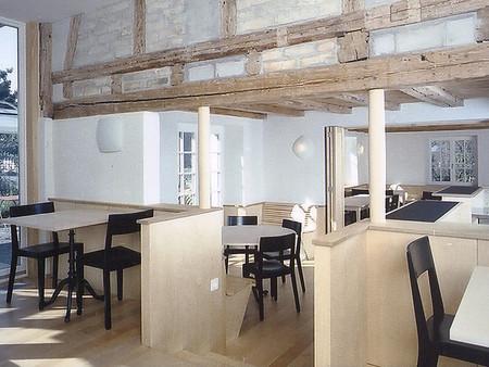 Denkmalgeschützter Umbau, zu einem Restaurant, Architektur, Innenarchitektur, Farb/Materialkonzept, Inneneinrichtung