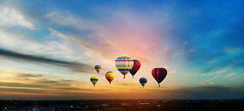 dreamstime_xxl_161077933.jpg balloons Th