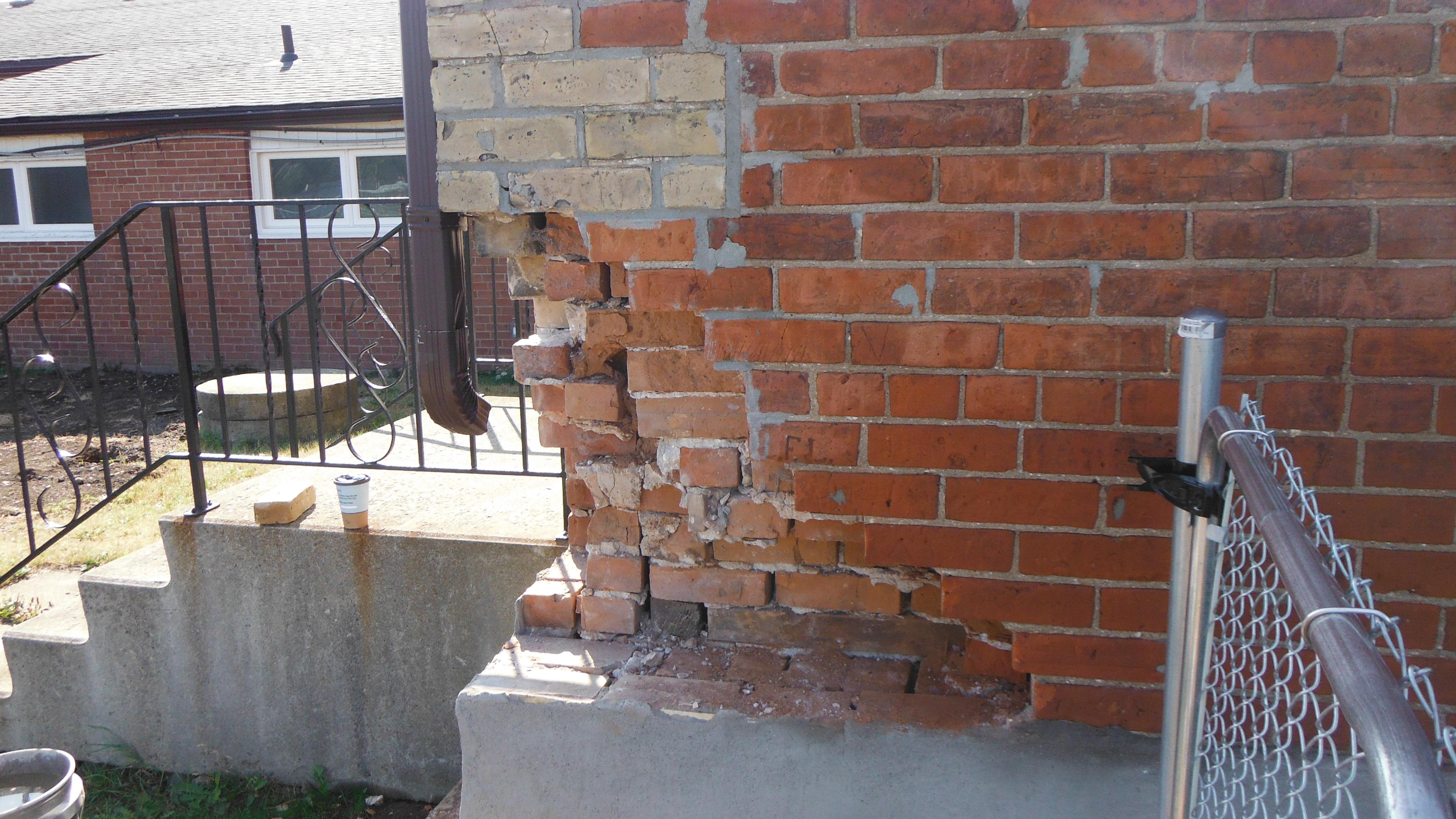 Brick Corner - Before