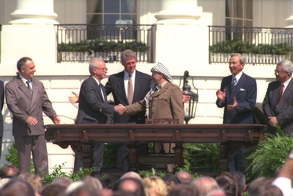 ישראל של רבין, בגין ושרון דיברה בקול אחוד. טקס חתימת הסכמי אוסלו בבית הלבן, ב-1993