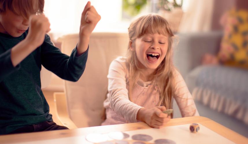Kids playing storytelling game