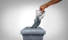"""משתיק קול: איך ארה""""ב מדכאת את הצבעת הבוחרים שלה"""