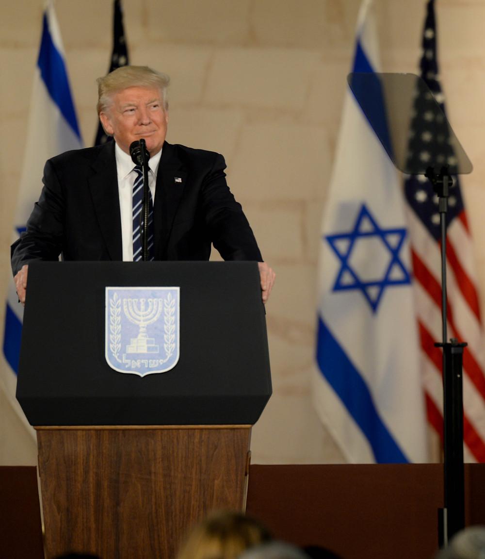 טראמפ בביקור ראשון בישראל, ב-2017. יתמקד מעתה יותר ביחסי חוץ?