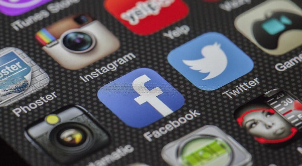 Social media apps on a smartphone (illustration)