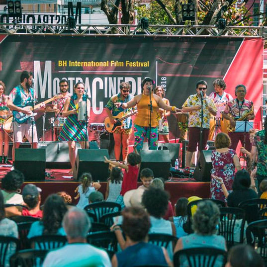Apresentação da Orquesta Atípica de Lhamas na 12ª Mostra de Cinema de Belo Horizonte, em 2018