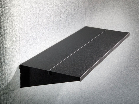 Innovative Shelf System in Magnetic Backdrops