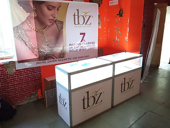 Tribhovandas Bhimji Jeweller Portable Jewellry Glass counter