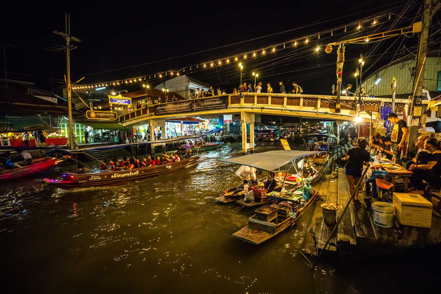 Thiland Floating Market