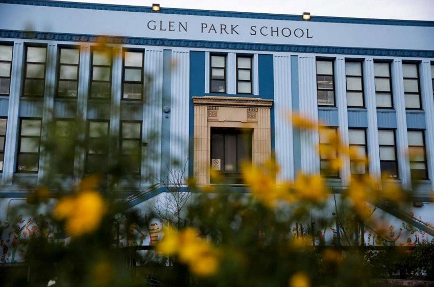 "The ""new"" Glen Park School, completed in 1935. Image by Gabrielle Lurie, from the San Francisco Chronicle, January 9, 2017."