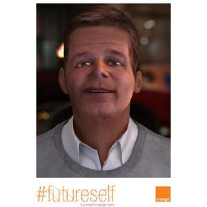 """¡ Impresionante ! ¿Quiere chatear con su """"yo"""" del futuro del 2034? La campaña de Orange lo hace posi"""