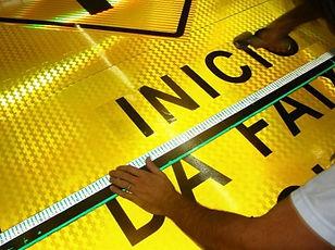 Avisos con vinilo reflectivo medellin.jp