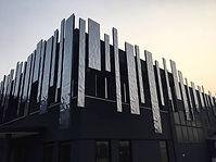 Fachadas en aluminio grabado ondulado re