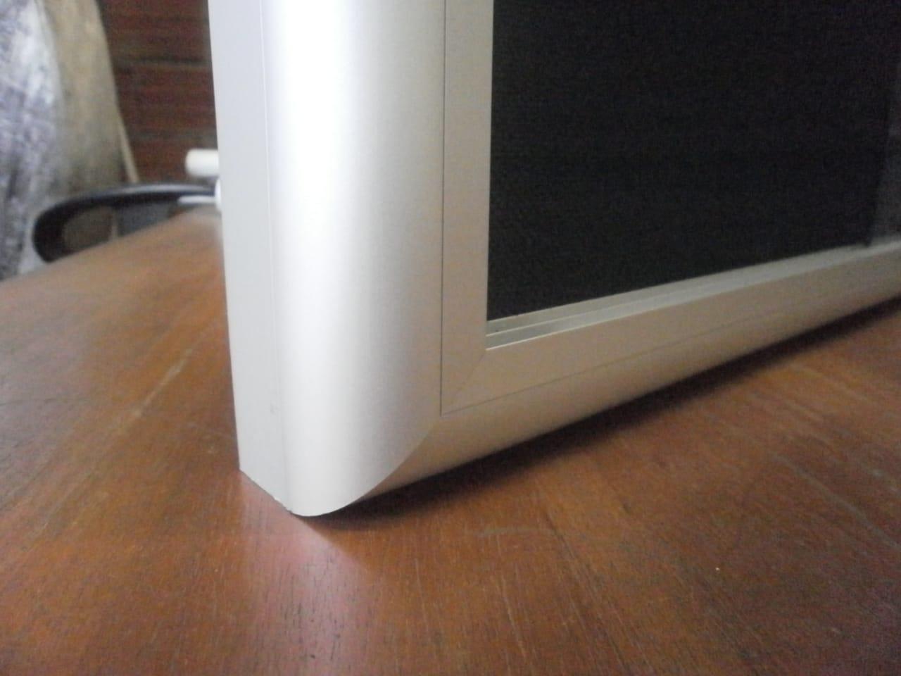 Carteleras con puertas corredizas acrili