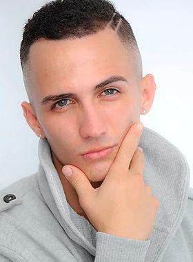 modelo Daniel Pinilla.jpg