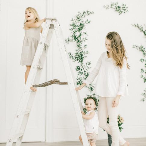 0111-artiese-baby-family-lifestyle-portraits-toronto-TDJ_8057.jpg