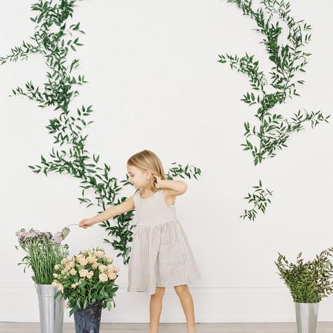 0125-artiese-baby-family-lifestyle-portraits-toronto-006153-R1-008.jpg