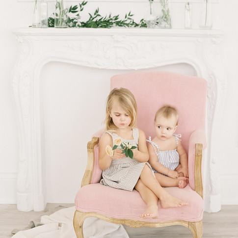 0056-artiese-baby-family-lifestyle-portraits-toronto-006152-R1-014.jpg