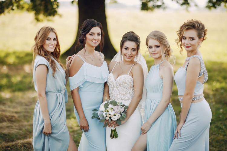 bride-with-bridesmaids.jpg