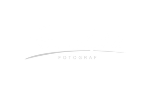 Signature_Logo_4_VECTOR hvit.png