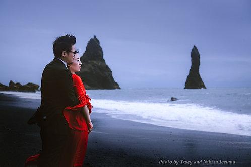 Iceland Photographer: Ywey and Niki