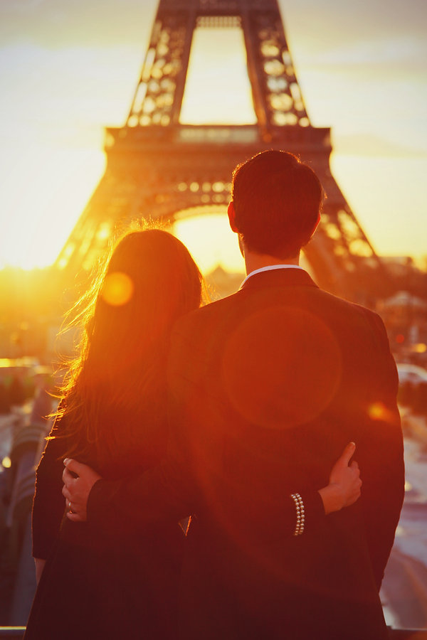 Paris Vacation Photographer Couple Eiffel Tower Sunset