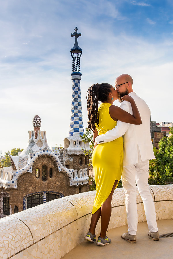 Barcelona Park Guell Spain photographer Romantic Couple