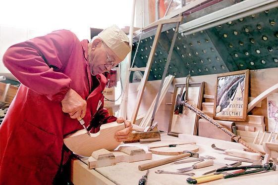 Operaio legno, signore lavoro legno, lavorazione del legno, artigiano, creazione mobile artigianale