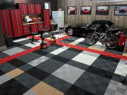 Burberry-2-Garage-w1920-h700-1.jpg