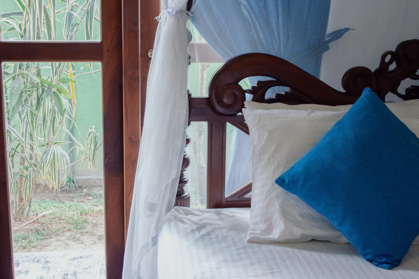 king bed triple room