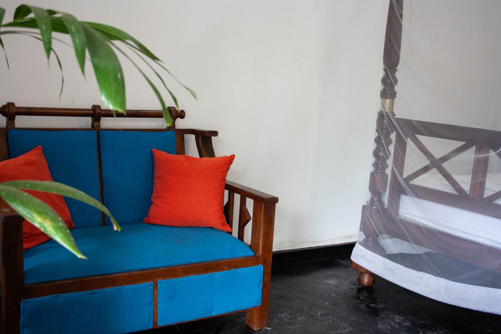sofa double room