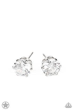 Just In TIMELESS White Earring - E1411