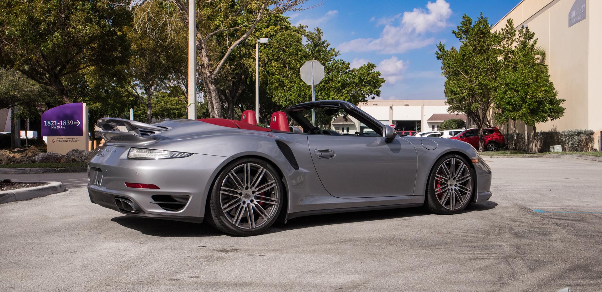 PorscheTurbo Silver00004.jpg